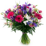Order flowers to Poland: Wonderful Mum Bouquet
